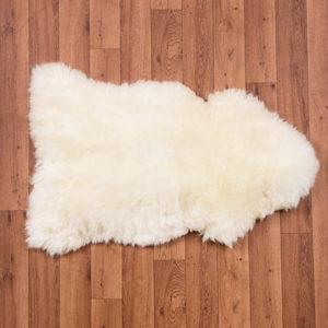 biela ovcia kozusina